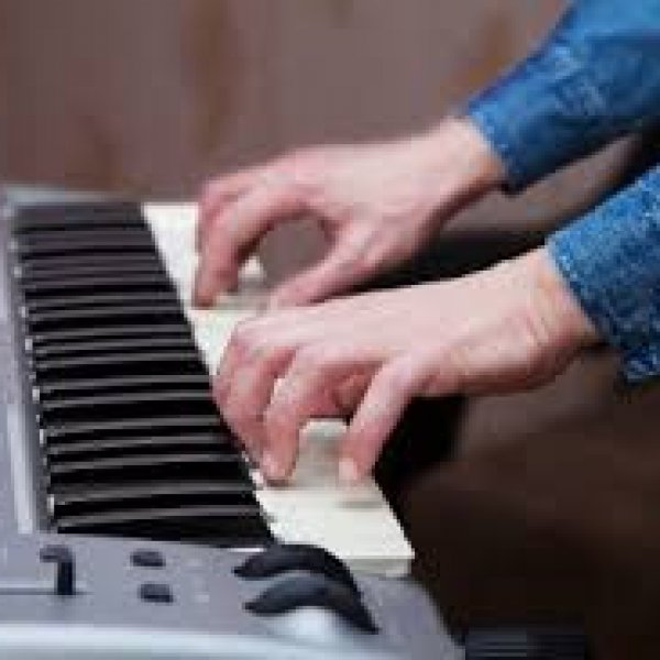 Уроки игры на синтезаторе