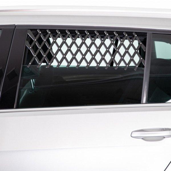 Решетка на окно авто для собак Trixie 30-110 см