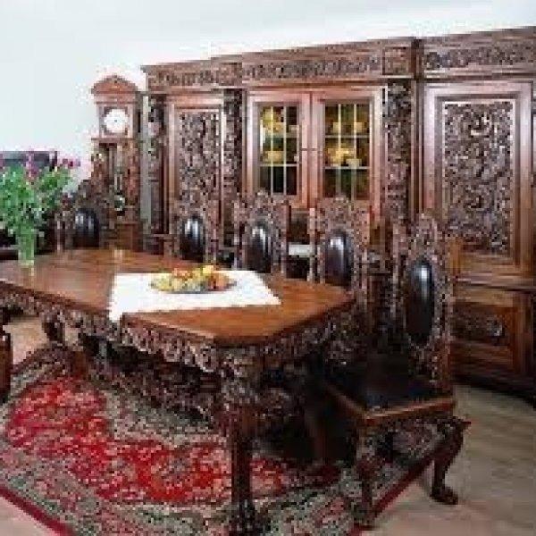 Куплю старинную антикварную мебель.